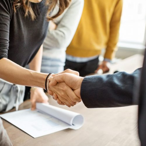 image-business-people-shaking-hands-in-office