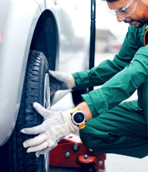 image-tire-changing-at-car-service